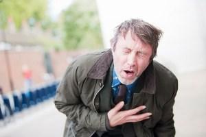 При первых симптомах инсульта  могут принять за человека в алкогольном опьянении