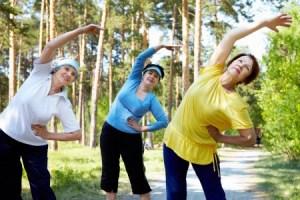 Легкие физические упражнения на природе