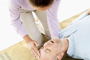 Обучение оказанию первой помощи при подозрении на инсульт