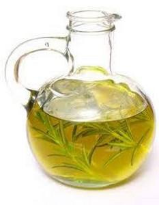 Настой листьев и масло розмарина