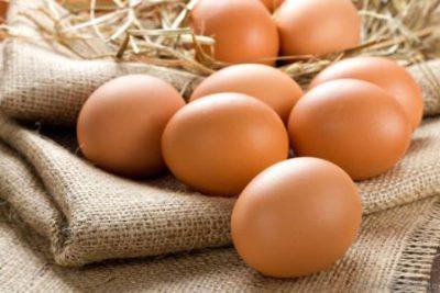 Яйца на мешковине